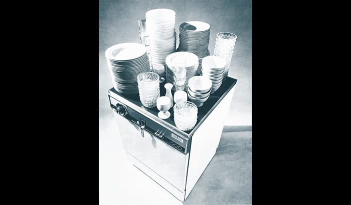 Smeg world first 60cm 14 setting dishwasher
