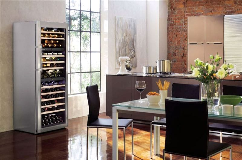 liebherr wine cabinets a summer essential appliance city. Black Bedroom Furniture Sets. Home Design Ideas